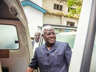 Presidente de Serra Leoa disse que combate ao ebola exige mudança