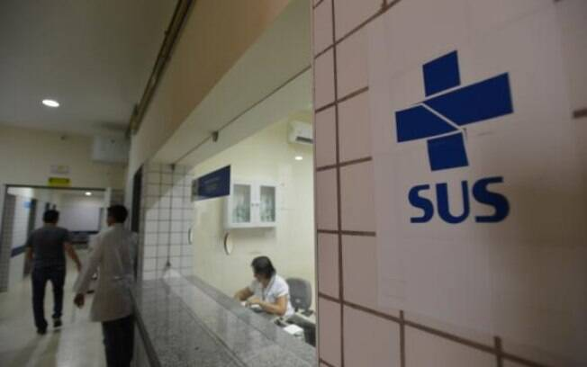 Decreto assinado por Jair Bolsonaro e Paulo Guedes inclui unidas básicas de saúde do SUS em plano de privatizações do governo
