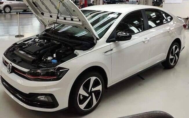 VW Virtus GTS é visto na fábrica da marca, em São Paulo. Imagem deve ter sido tirada por algum convidado