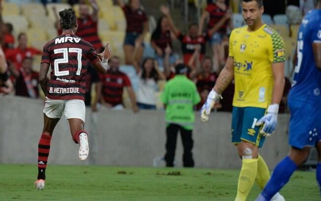 Bruno Henrique foi o destaque da virada do Flamengo sobre o Cruzeiro no Maracanã