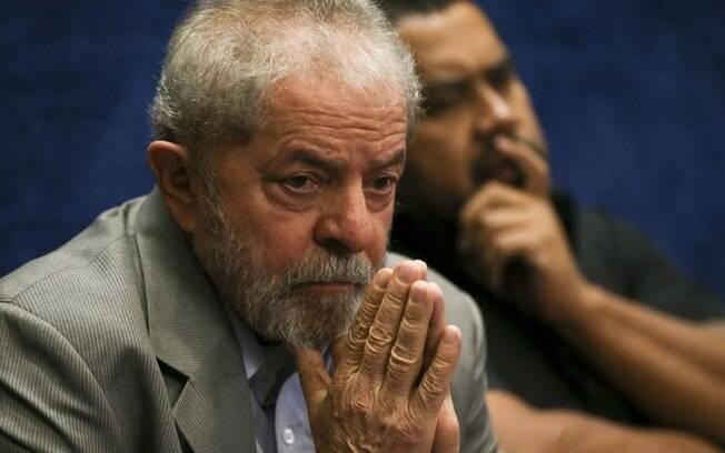 Lula preocupado