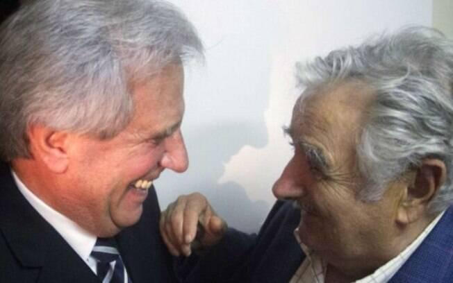 Vázquez (à esq.) substituirá o carismático Pepe Mujica a partir de amanhã