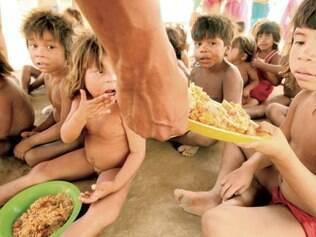 Desnutrição, falta de higiene e pouca comida ameaçam tribo mineira Vale do Mucuri