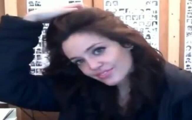 Veja a semelhança da modelo Lina Sanz com Angelina Jolie