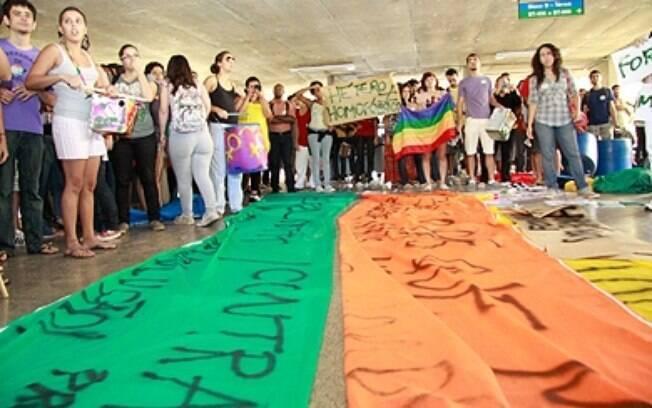 Manifestações contra a violência homofóbica e pela criminalização da homofobia acontecem com frequência no Brasil