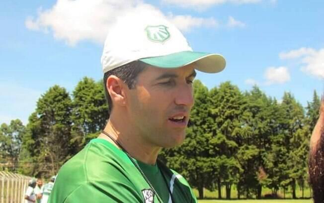 Léo Condé, técnico da Caldense no Mineiro