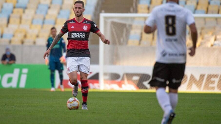 Flamengo pensa em negociar Léo Pereira