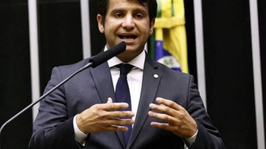 Deputado Dr. Luizinho foi aconselhado a não aceitar ser ministro de Bolsonaro