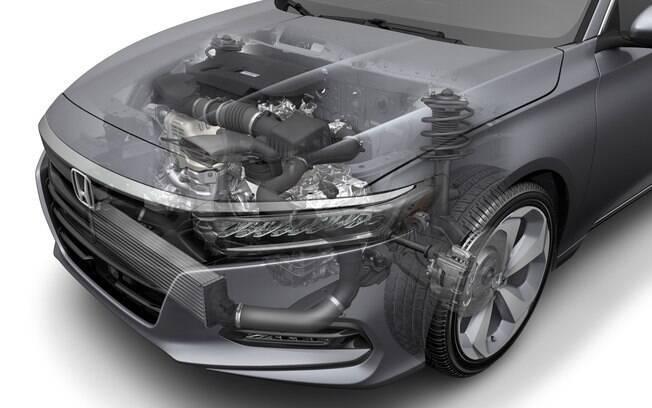 Com a nova geração,  o Accord deixa de ser equipado com motor V6. Agora, a linha vem apenas com quatro cilindros e turbo