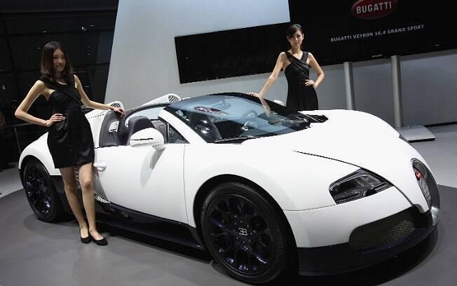 Bugatti não deve apresentar um novo carro até esgotar o Veyron, diz diretor ao site Bloomberg