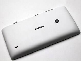 Lumia 520 tem traseira de plástico fosco