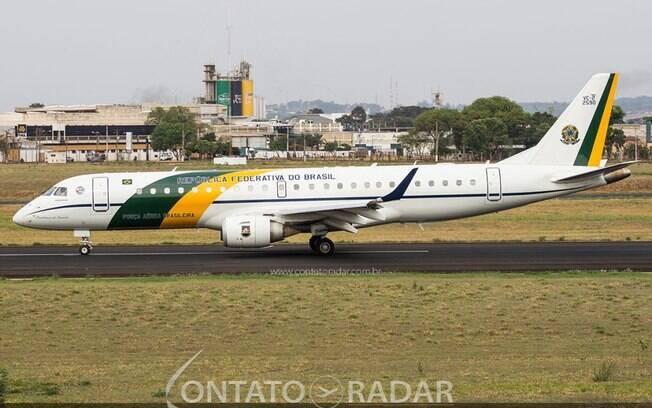Aeronave presidencial pousa em Ribeirão Preto