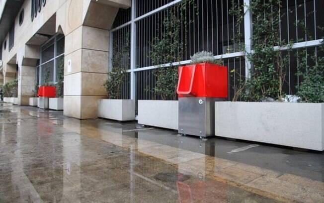 Autoridades locais esperam minimizar o mau odor que paira no ar da metrópole
