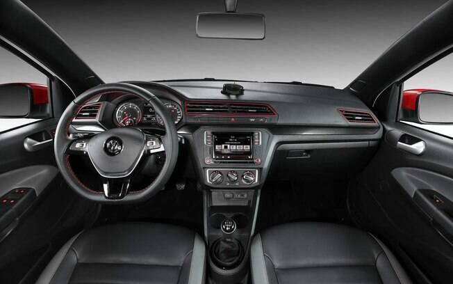 VW Saveiro mostra que tem interior bem caprichado e com melhor ergonomia que a rival Fiat Strada