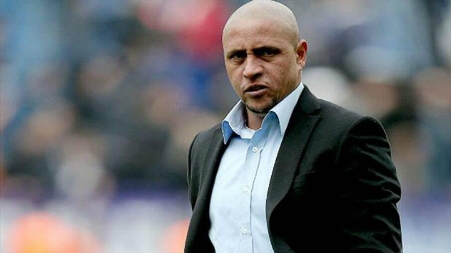 Roberto Carlos defende decisão de Daniel Alves