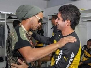 Guilherme foi o escolhido para ficar com a vaga deixada por Ronaldinho Gaúcho entre os titulares