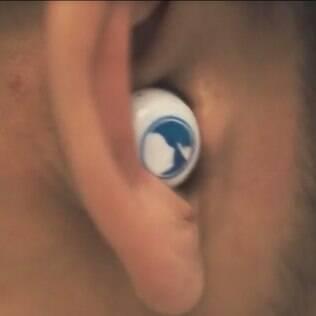 Tampão de ouvido inteligente filtra sons importantes