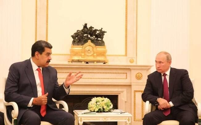 Imagens do encontro entre Putin e Maduro foram divulgadas no twitter dele