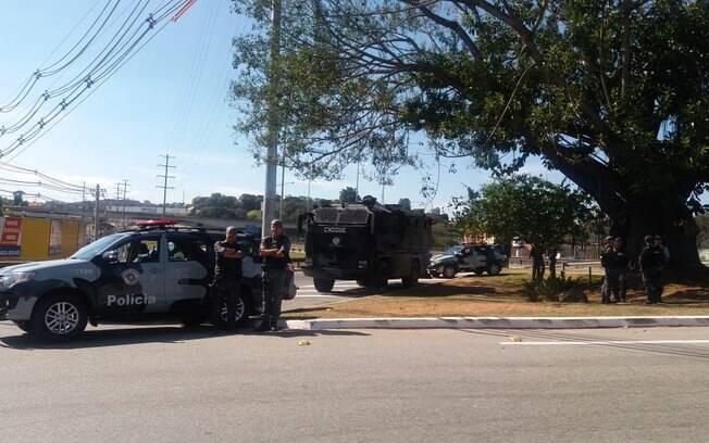 Tropas do Choque fizeram escolta de caminhões de combustível durante o período sem abastecimento