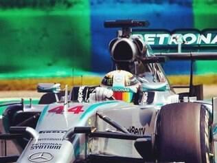 No caso de Hamilton, a Mercedes até aproveitou a punição para fazer uma troca geral no carro - além dos chassis, a caixa de câmbio e o câmbio
