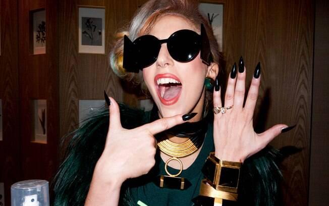 Lady Gaga foi acusada de adiar o lançamento de sua boneca por má fé
