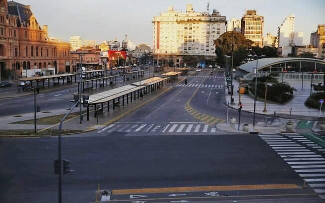 Greve geral contra política econômica de Macri suspende maioria dos serviços em Buenos Aires, nesta quarta-feira (29)