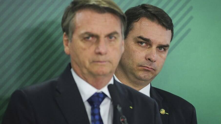 Bolsonaro era auxiliado por militar no esquema das 'rachadinhas', diz ex-cunhada