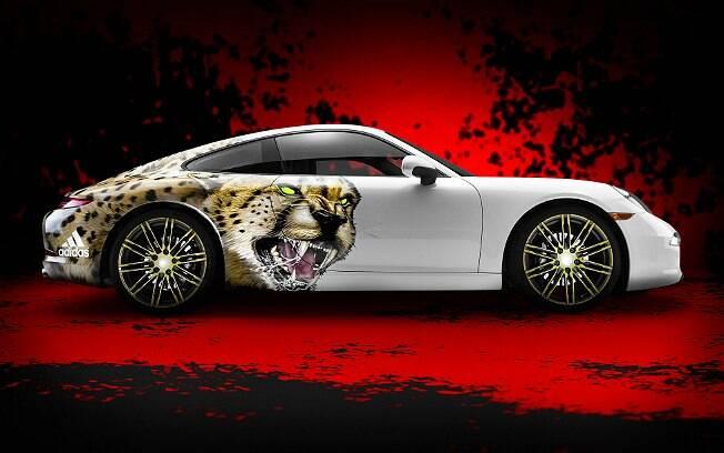 Porsche 911 Carrera adesivado com um guepardo por conta da nova chuteira da Adidas