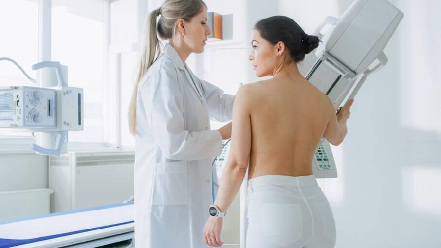 Femama alerta sobre mamografia após vacina contra Covid-19