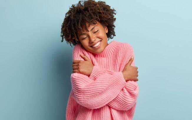 Muito além de um cumprimento: abraços podem curar sintomas depressivos