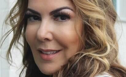 """Claudia Lira: """"Mulher envelhecer é quase um pecado"""""""
