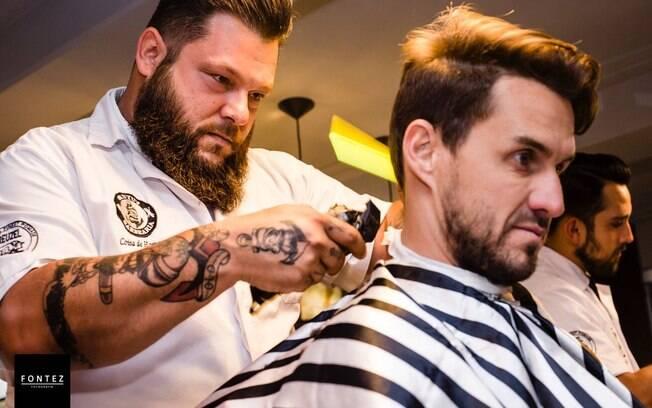 Willian Souza, fundador da Barbearia Brutu's, preza pela qualidade do atendimento para atrair cada vez mais clientes