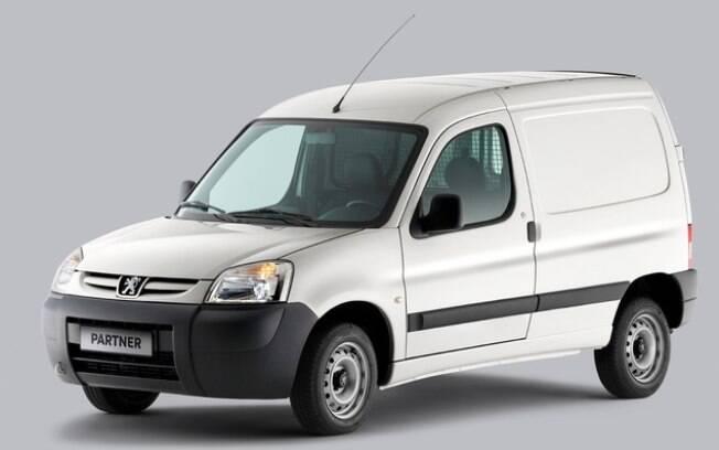 Peugeot Partner rivaliza com Fiat Doblò e Renault Kangoo, numa briga de longa data entre os carros de trabalho