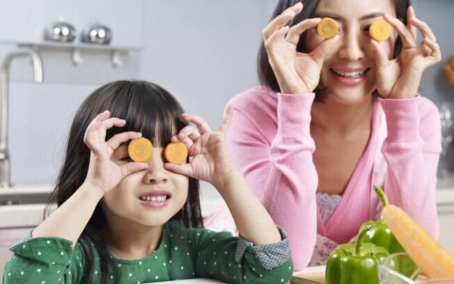 Epecialistas sugerem que verduras com folhas de um verde escuro são melhores para os olhos que as cenouras