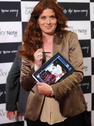 Atriz Debra Messing participou da festa de lançamento do Galaxy Note 10.1 em Nova York (EUA)