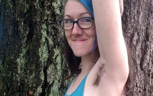 Atualmente, Dana usa os pelos à favor de si e quer inspirar outras pessoas a se aceitarem do jeito que são naturalmente