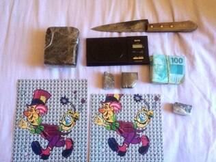 Além de 1 kg de haxixe, traficante também tinha mais de 800 micro pontos de LSD