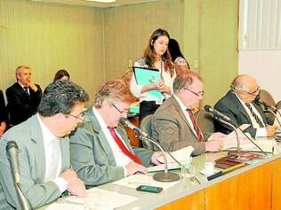 PL.  Emenda sobre a MinasCaixa tramita  com o projeto do etanol, aprovado em comissão há 15 dias