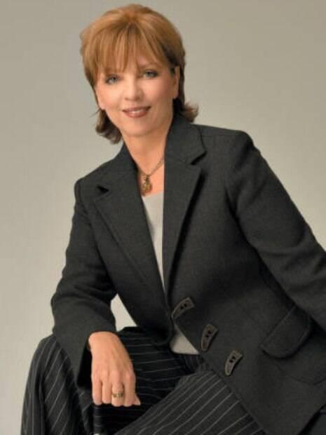 Nora Roberts irá processar brasileira por plágio