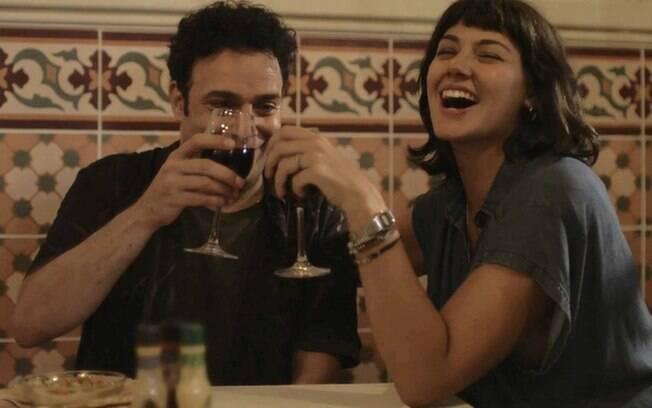 Abner (Marcelo Médici) e Sara (Verônica Debom)