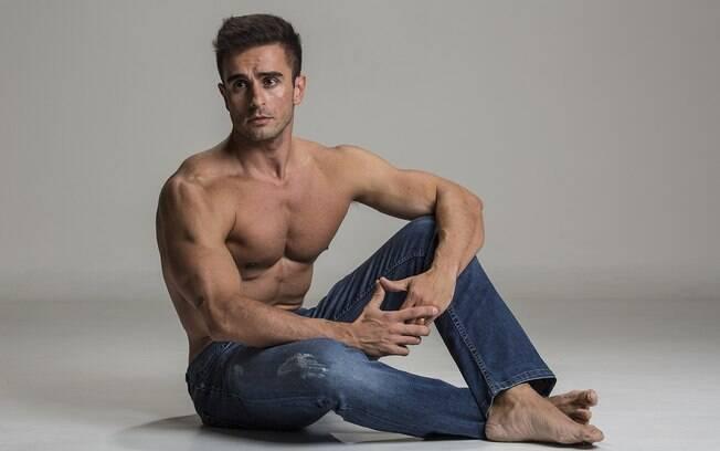 Henrique Azevedo é ex-jogador de futebol e se curou da depressão virando fisiculturista