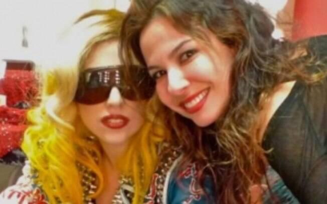 Luciana Gimenez posou ao lado de Lady Gaga durante uma de suas viagens