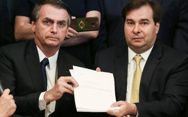 Rodrigo Maia também fez um apelo aos servidores públicos, que já começaram a resistir à reforma da Previdência