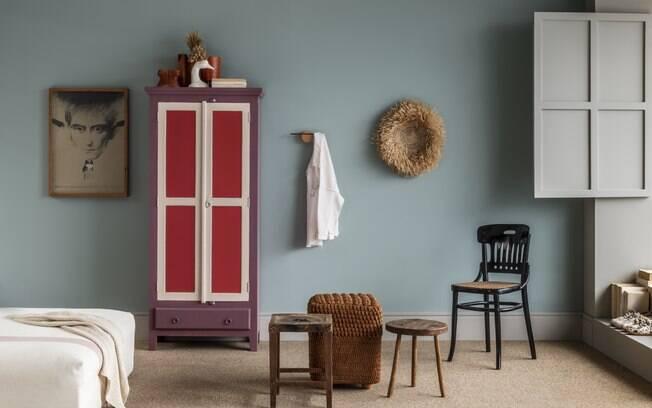 O guia de tendências de cor, mantra se encaixa em três paletas com seus subtons
