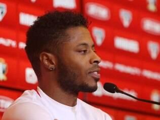 Para Michel Bastos, o São Paulo tem condição de conquistar pelo menos um título nesta temporada