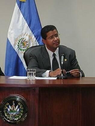 Francisco Flores foi presidente de El Salvador de 1999 até 2004