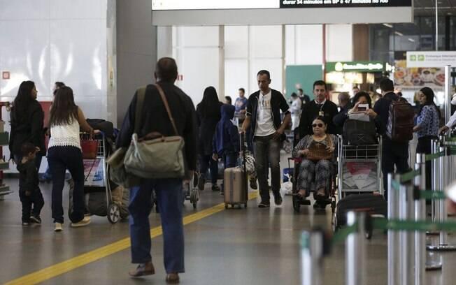 Aeroportos receberão menos passageiros nesse feriado