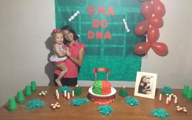Rafaela resolveu fazer o chá de DNA depois que o pai de sua filha pediu um teste para comprovar paternidade da menina