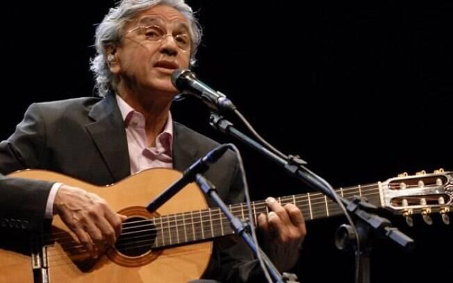 Caetano Veloso canta funks atuais e vídeo toma conta da internet