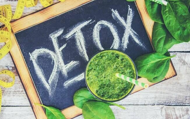 Detox, se feito com os devidos cuidados, pode ser uma boa ajuda para quem quer saber como emagrecer